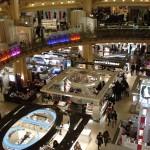 Blick in die Kuppelhalle des Kaufhauses Galeries Lafayette Haussmann